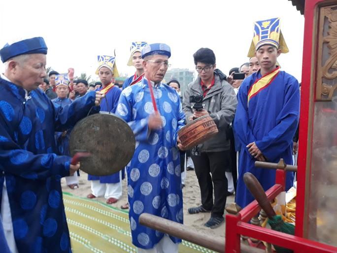 Độc đáo lễ hội cầu ngư đầu năm của ngư dân Đà Nẵng - Ảnh 3.