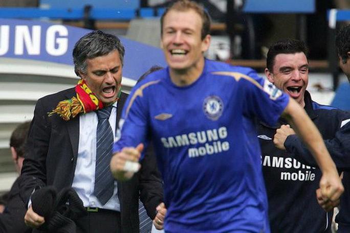 Man United quyết gây sốc khi chiêu mộ Robben - Ảnh 2.