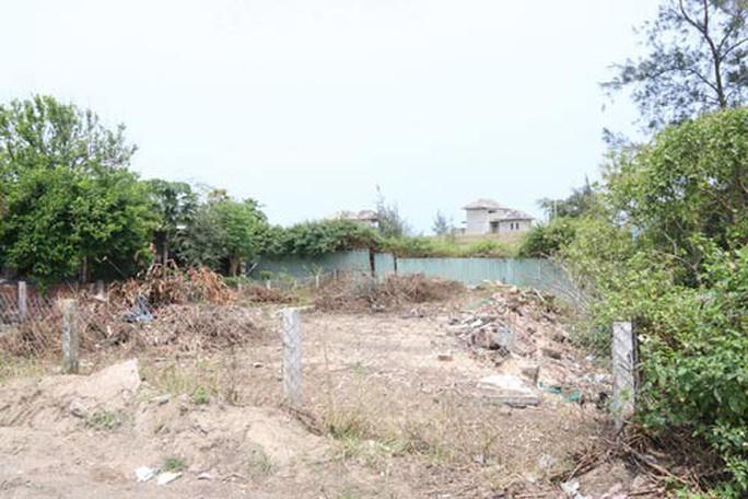 Bãi biển miền Trung bị xẻ thịt: Xâm thực bờ biển Cửa Đại - Ảnh 2.