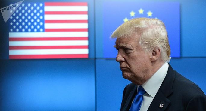 Sau nhôm-thép. ông Trump sờ gáy ô tô EU - Ảnh 1.