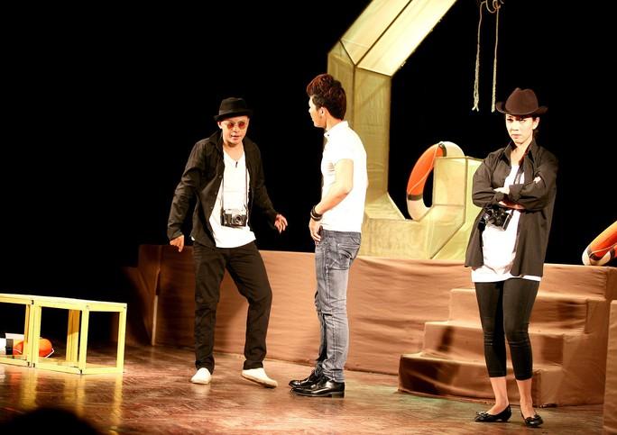Đạo diễn trẻ sân khấu hóa rồng - Ảnh 1.