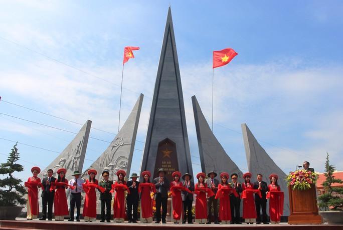 Phú Yên đón nhận bằng di tích lịch sử quốc gia địa điểm Tổng tiến công xuân Mậu Thân - Ảnh 2.