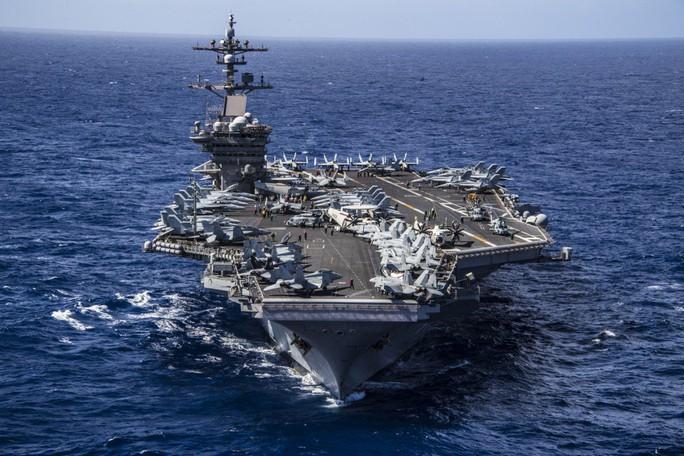 Video hoạt động của biên đội tàu sân bay Mỹ đang đến Đà Nẵng - Ảnh 1.