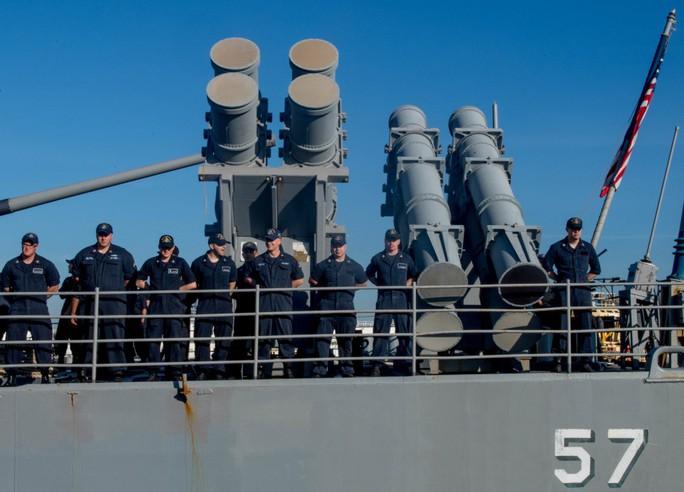 Video hoạt động của biên đội tàu sân bay Mỹ đang đến Đà Nẵng - Ảnh 6.