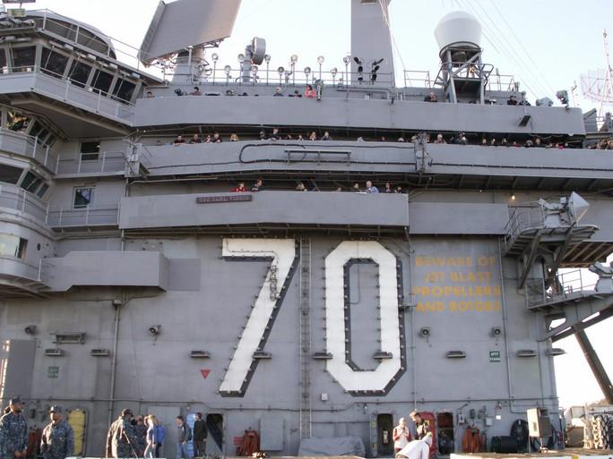 Tàu sân bay Mỹ đến Việt Nam: Đại bàng vàng chôn xác Bin Laden - Ảnh 12.