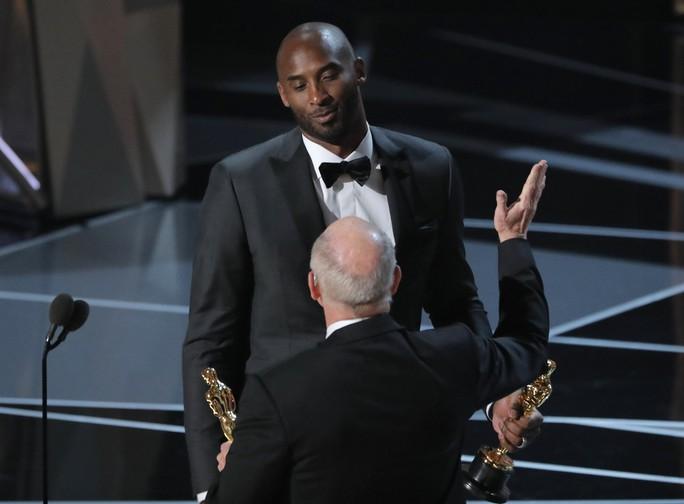 Nhiều tranh luận trái chiều quanh Oscar lần 90 - Ảnh 5.