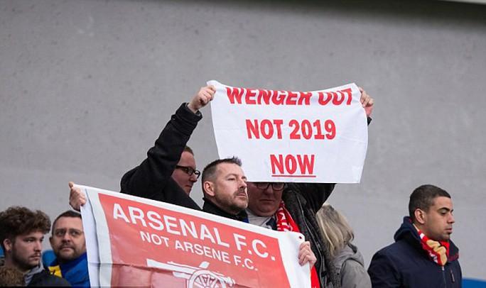 Arsenal thua 4 trận liền, fan khóc nức nở - Ảnh 4.