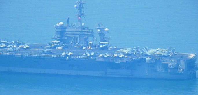 Tàu sân bay USS Carl Vinson đã vào vùng biển cảng Tiên Sa - Ảnh 5.