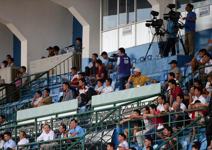 Bản quyền truyền hình V-League vẫn khó bán - Ảnh 1.