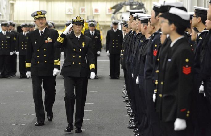Nhật Bản có nữ chỉ huy hạm đội tàu chiến đầu tiên - Ảnh 1.