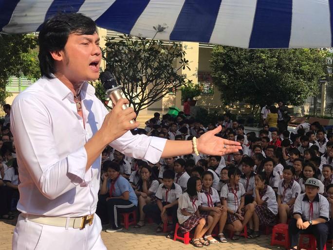 NSƯT Kim Tiểu Long đưa vọng cổ vào học đường - Ảnh 2.