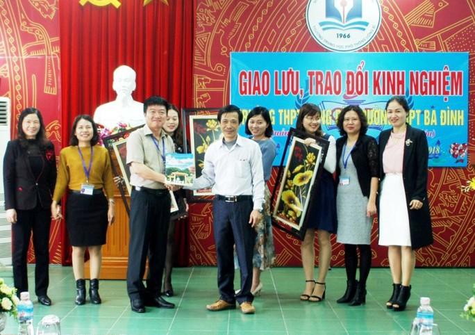 Vụ cho học sinh THPT nghỉ học: Nhà trường có đi Yên Tử - Ảnh 2.