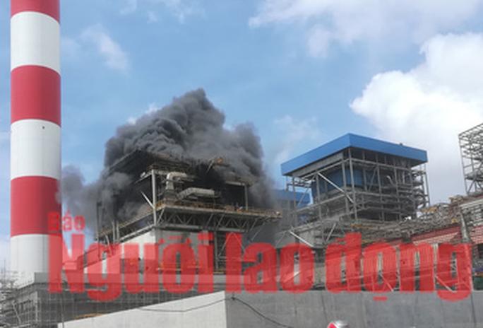 Đang làm rõ nguyên nhân vụ cháy tại Nhà máy Nhiệt điện Duyên Hải 3 - Ảnh 1.