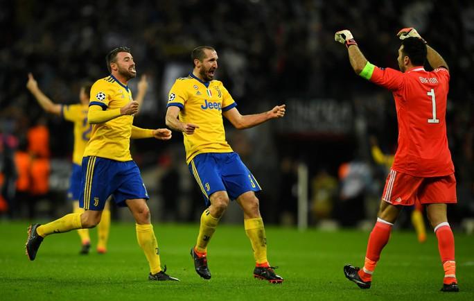 Lội ngược dòng trong 3 phút rưỡi, Juventus thẳng tiến vào tứ kết - Ảnh 5.
