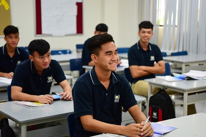 Học viện PVF tuyển sinh khóa 10 trên toàn quốc - Ảnh 2.