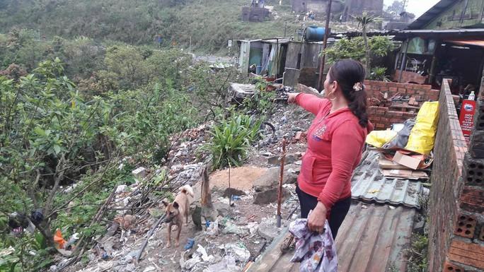 Di tích cấp quốc gia Hải Vân Quan bị rác thải bủa vây - Ảnh 15.