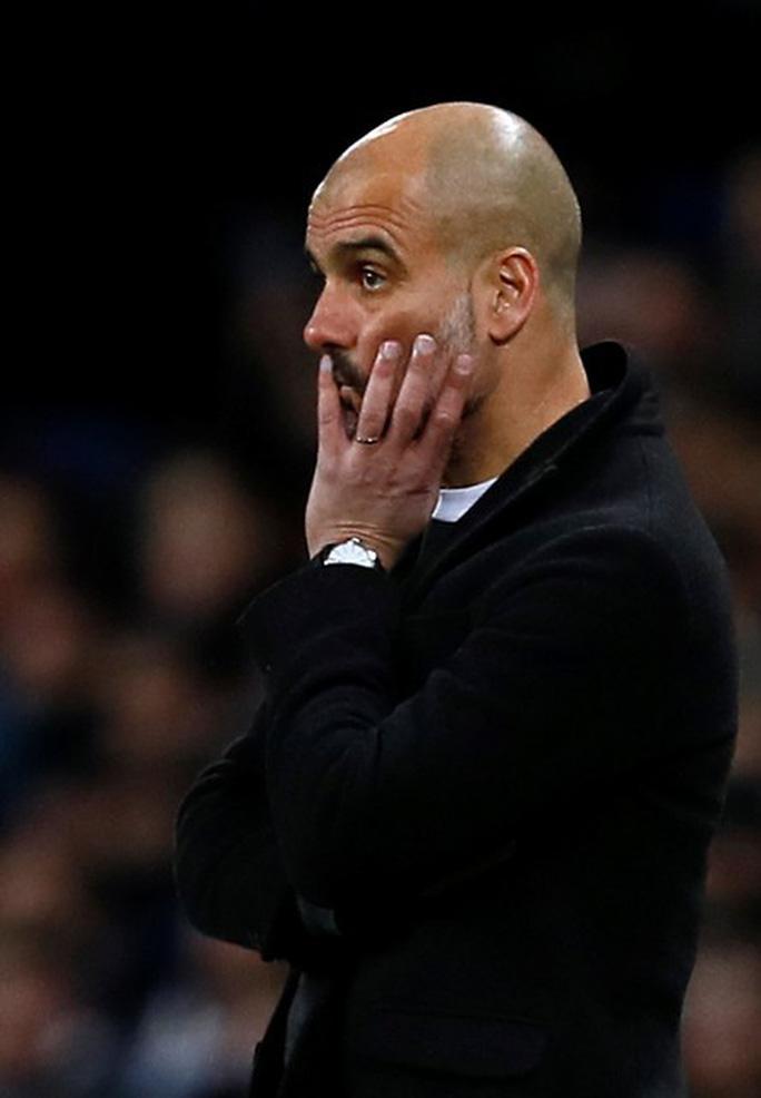 Guardiola chê Man City nghèo nàn sau trận thua Basel - Ảnh 4.