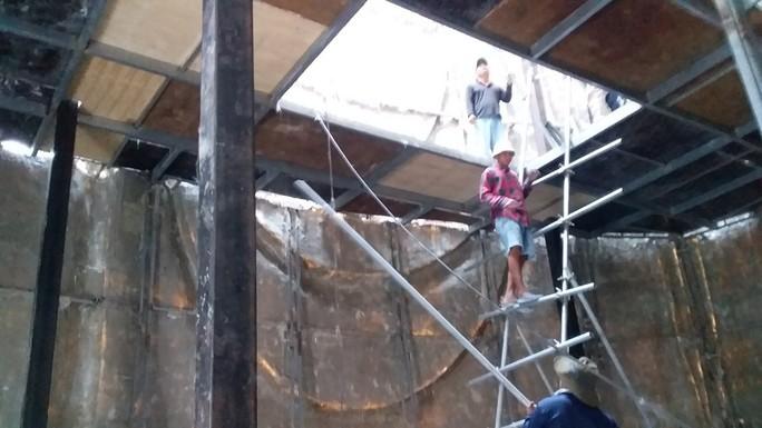 Diễn biến mới nhất vụ lén xây tượng Bà Chúa Xứ trên núi Sam - Ảnh 3.
