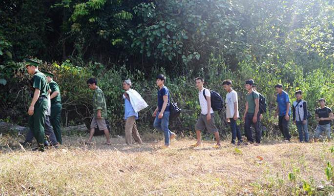Ngăn chặn kịp thời vụ tổ chức hơn 40 người vượt biên sang Trung Quốc trái phép - Ảnh 1.