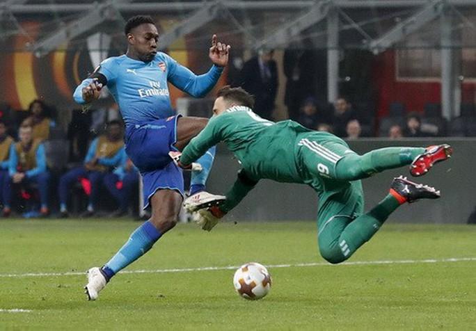 Arsenal bùng nổ khó tin, AC Milan thua tan tác sân nhà - Ảnh 4.