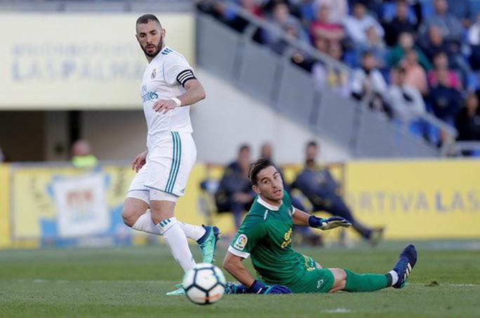 Siêu nhân Messi cứu thua phút 89, Barcelona thoát hiểm ở Sevilla - Ảnh 7.