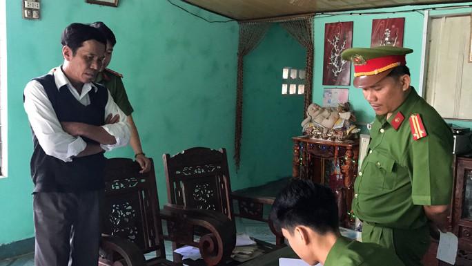 Đà Nẵng: Bắt tạm giam cán bộ phường làm giả giấy tờ đất - Ảnh 1.