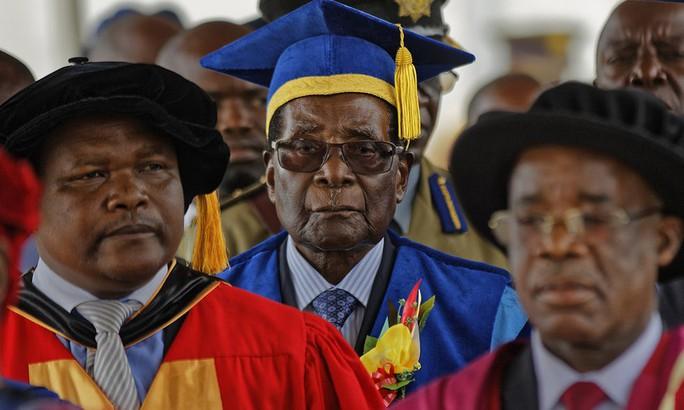 Zimbabwe quyết không cho qua vụ bốc hơi 15 tỉ USD kim cương - Ảnh 1.