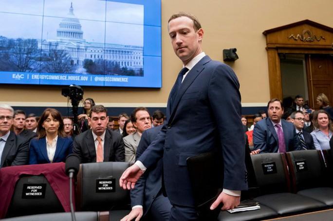"""Lộ bí quyết giúp ông chủ Facebook """"sống sót"""" qua phiên điều trần - Ảnh 3."""