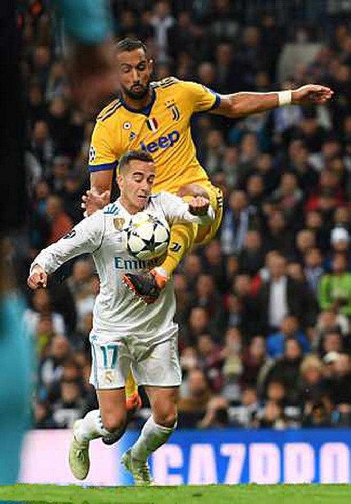 Nhận thẻ đỏ phút 90+4, Buffon gọi trọng tài là cầm thú - Ảnh 8.