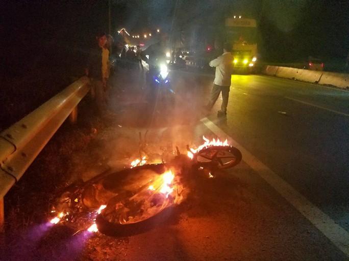 Vụ CSGT Đồng Nai gây rối sau va chạm xe: Lấy lời khai từ nhân chứng - Ảnh 2.