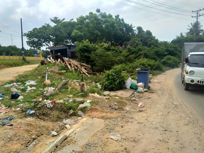 """Ớn lạnh với """"núi rác"""" ở đảo ngọc Phú Quốc - Ảnh 11."""