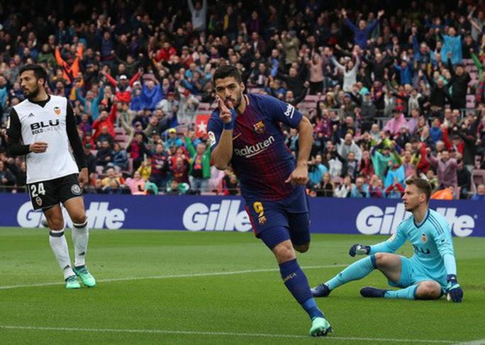 Chia tay sớm Champions League, Barcelona lập kỷ lục La Liga - Ảnh 2.