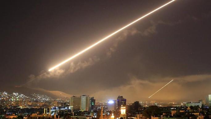 """Mỹ dùng 2 khu trục hạm """"đánh lừa"""" Syria - Ảnh 1."""