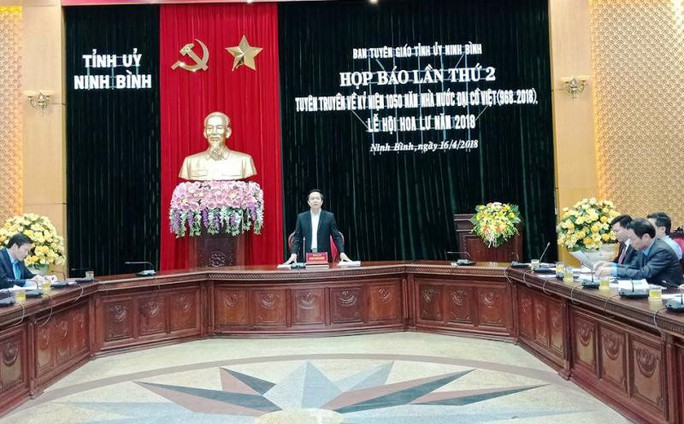 Kỷ niệm 1.050 năm Nhà nước Đại Cồ Việt, bắn pháo hoa tầm cao - Ảnh 1.