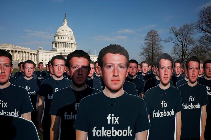 Facebook giữa tâm bão (*): Cái giá của miễn phí - Ảnh 1.