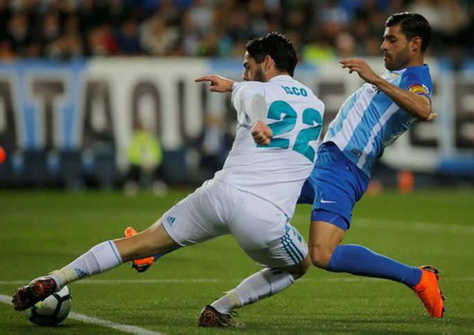 Thắng dễ Malaga, Real Madrid trở lại tốp đầu La Liga - Ảnh 3.