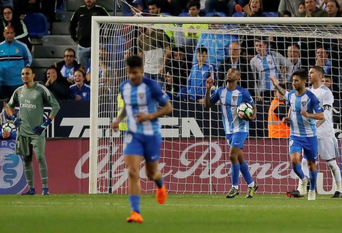 Thắng dễ Malaga, Real Madrid trở lại tốp đầu La Liga - Ảnh 5.