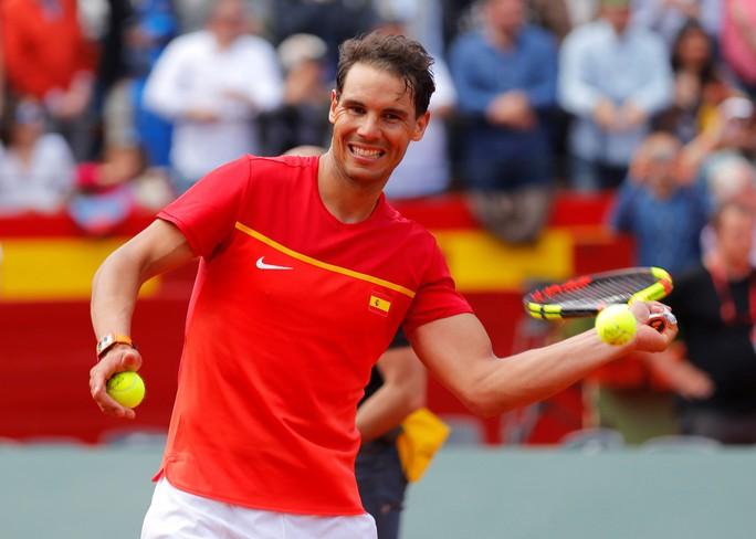 Djokovic khởi đầu thuận lợi, Nadal khiêu khích Federer - Ảnh 6.