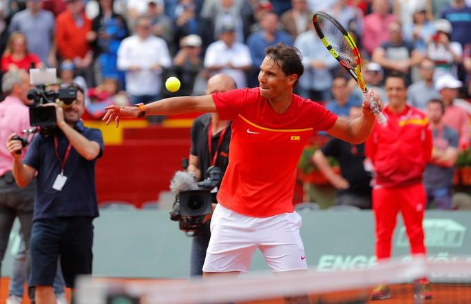 Djokovic khởi đầu thuận lợi, Nadal khiêu khích Federer - Ảnh 5.