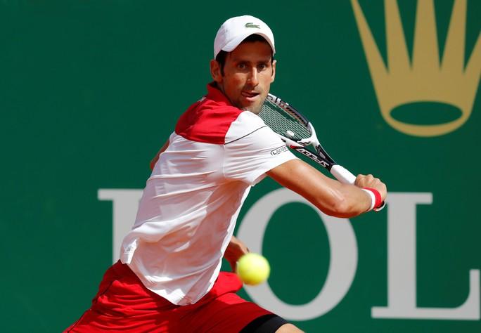 Djokovic khởi đầu thuận lợi, Nadal khiêu khích Federer - Ảnh 4.