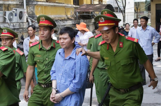 Người chồng bị cáo buộc sát hại vợ, bỏ vào phuy nước - Ảnh 2.