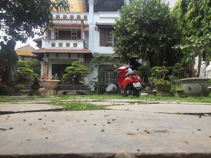 Bộ Công an hoàn tất việc khám xét nhà 2 cựu chủ tịch TP Đà Nẵng - Ảnh 1.