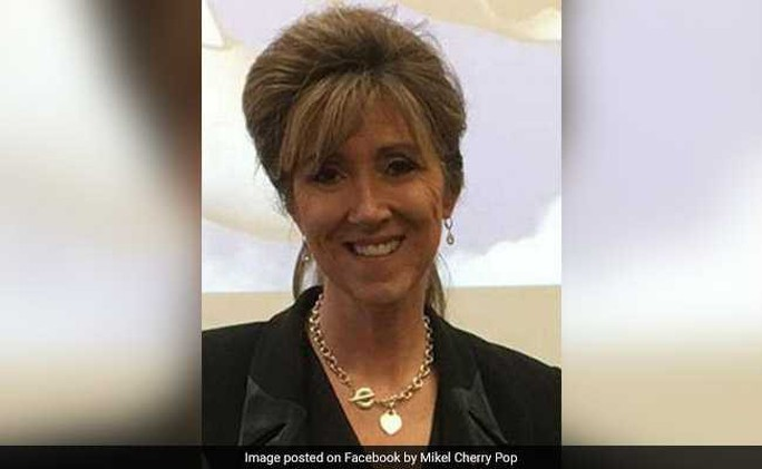 Thần kinh thép của nữ phi công cứu máy bay Mỹ nổ động cơ - Ảnh 3.