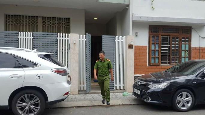 Bộ Công an hoàn tất việc khám xét nhà 2 cựu chủ tịch TP Đà Nẵng - Ảnh 5.
