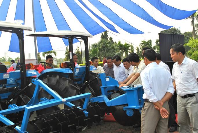Máy kéo thương hiệu THACO xuất xưởng phục vụ nông nghiệp - Ảnh 1.