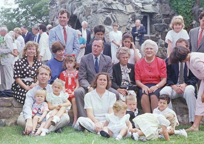 Nữ hoàng nhà Bush và tình yêu một đời - Ảnh 3.