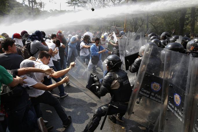 Giới tính và bạo lực - Ảnh 1.