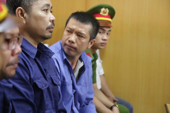 Vụ  buôn logo xe vua: Cựu CSGT tố cáo cấp trên nhận hối lộ - Ảnh 3.