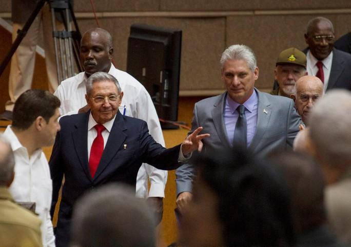 Quốc hội Cuba chọn ứng viên duy nhất kế nhiệm Chủ tịch Raul Castro - Ảnh 1.