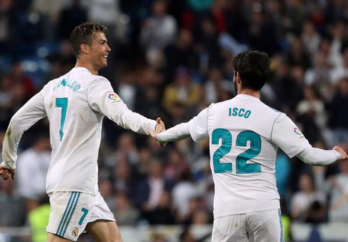 Cú đánh gót bạc tỉ, Ronaldo cứu giá Real Madrid sân nhà - Ảnh 7.